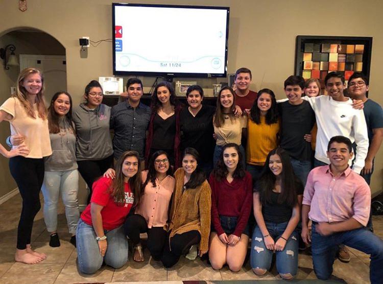 Students+Celebrate+Friendsgiving